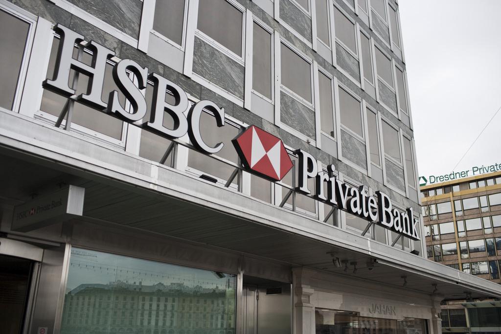 sans précédent en ligne à la vente qualité authentique Trois banques sur les rangs pour la reprise de certains ...