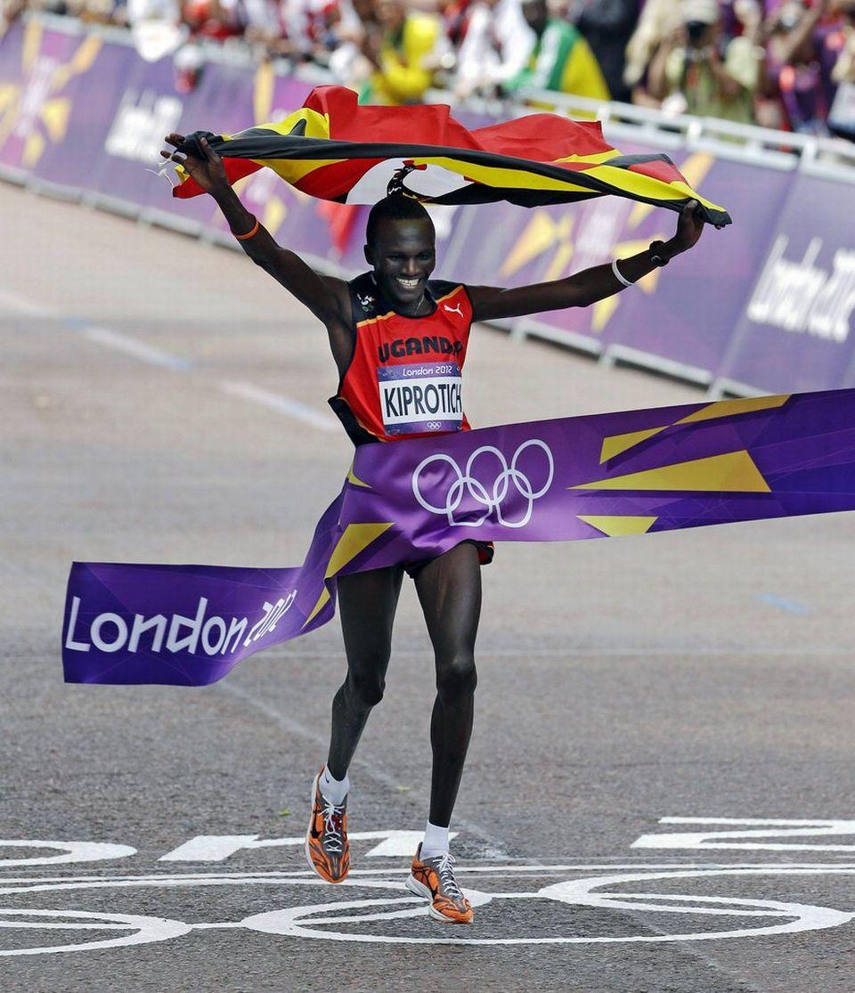 A la surprise générale, Kiprotich a devancé les favoris kenyans pour s'imposer lors du marathon olympique. [Keystone]