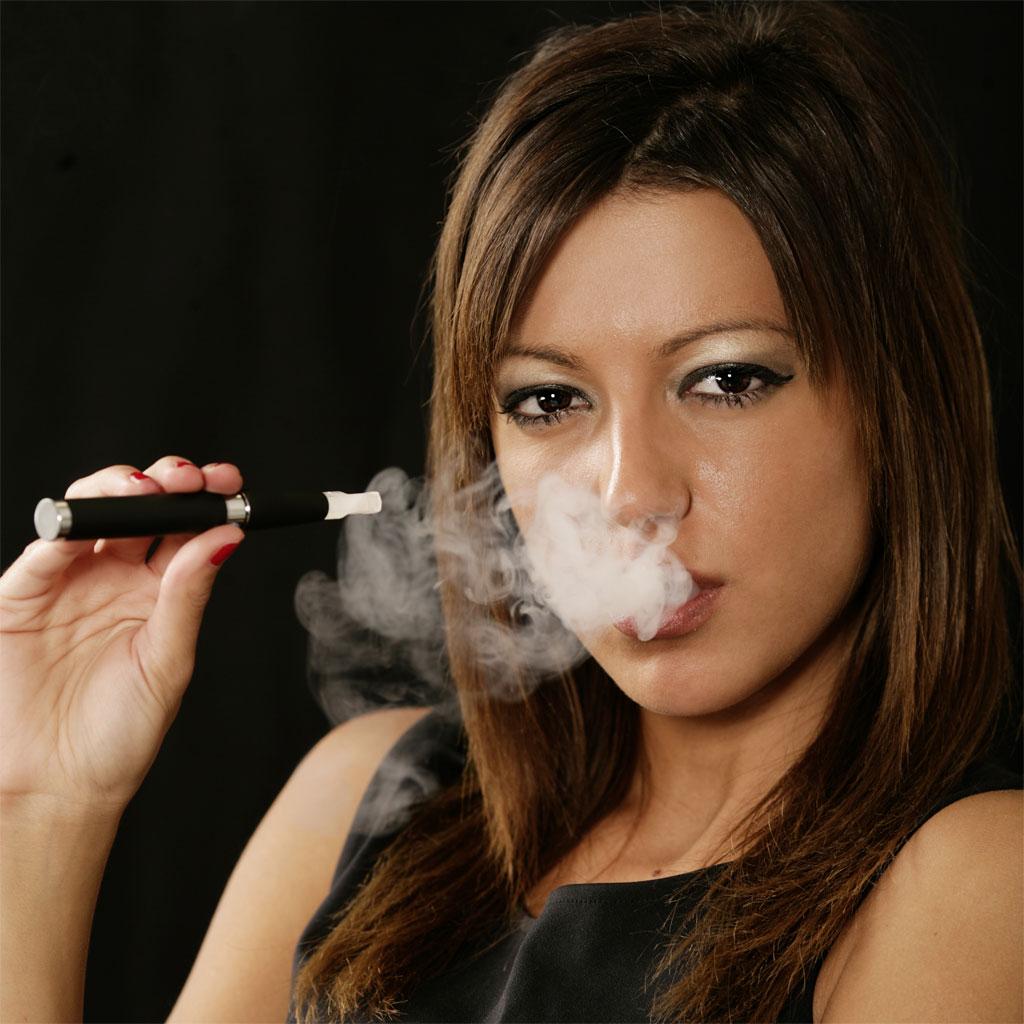 la cigarette lectronique suscite int r t et controverse en occident sciences tech. Black Bedroom Furniture Sets. Home Design Ideas