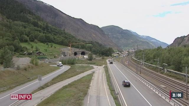 Le chantier de l'autoroute A9 dans le Haut-Valais a franchi une étape ce vendredi avec le percement du tube sud du tunnel d'Eyholz