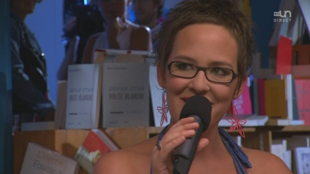 Sylvie Bourban chante a cappella, en direct et en patois
