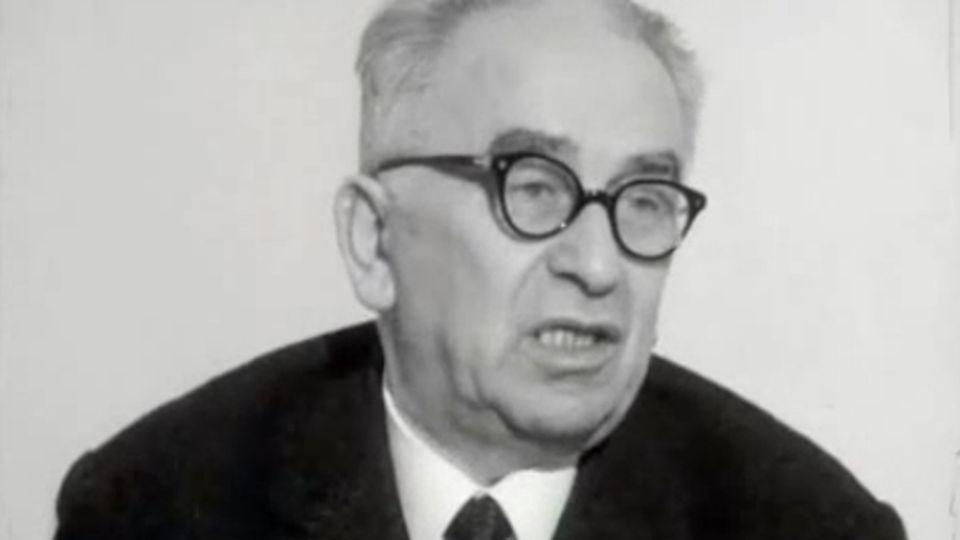 """L'avis du PCI"" - Point, 24 février 1966. [RTS]"