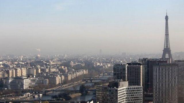 Vue de Paris un jour de forte pollution [AFP]