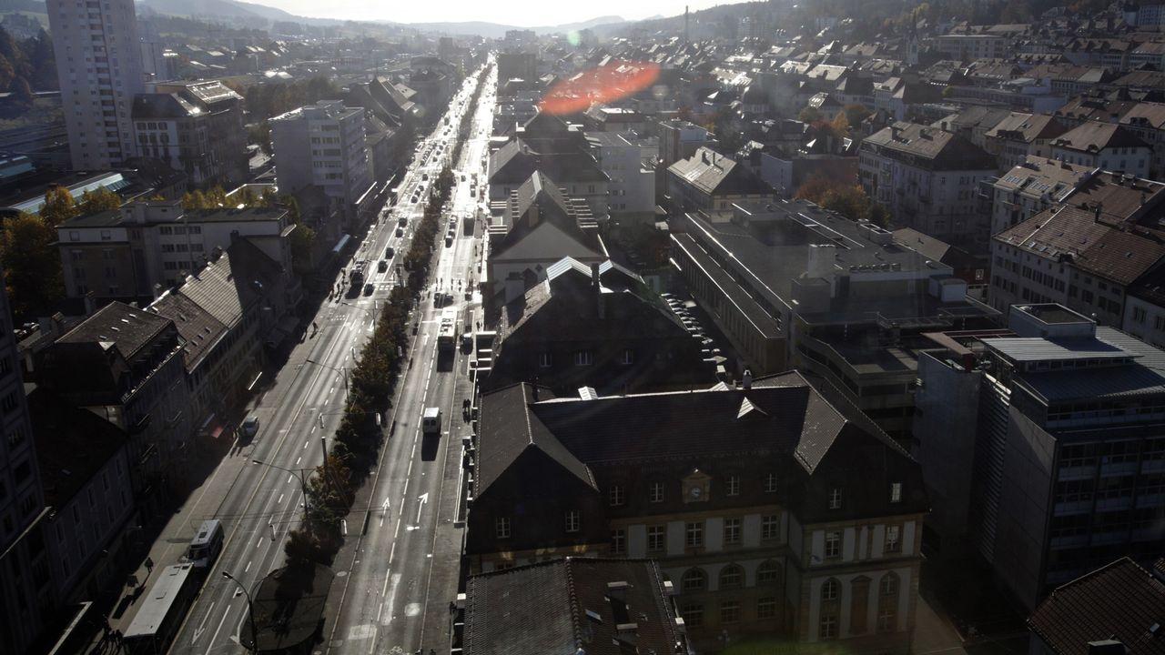 """Le """"Pod"""" à La Chaux-de-Fonds, depuis la tour Espacité. [Denis Balibouse - Reuters]"""