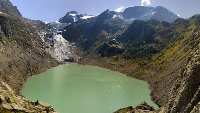 Dans le sillage du recul des glaciers, de nouveaux lacs de montagne se forment. [Tomas Sereda - Fotolia]