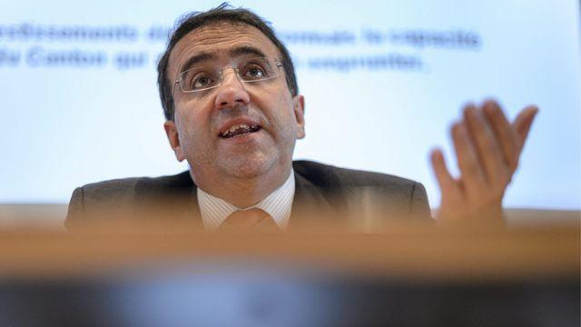 Pascal Broulis présente le budget 2013 du canton de Vaud. [Laurent Gillieron - Keystone]