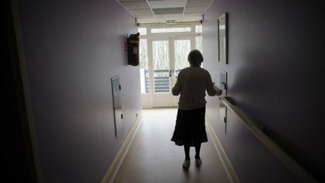 Une personne âgée dans une maison de retraite [AFP]