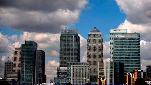 L'accord sur l'encadrement des bonus est un échec pour le gouvernement britannique. Ce dernier s'est longtemps prononcé contre l'instauration d'un tel plafonnement pour ne pas froisser les banquiers de la City.  [ANDY RAIN - Keystone]