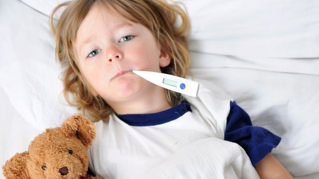 Un enfant qui présente des signes de maladie est toujours une source d'inquiétude pour les parents. Jörn Buchheim Fotolia [Jörn Buchheim - Fotolia]
