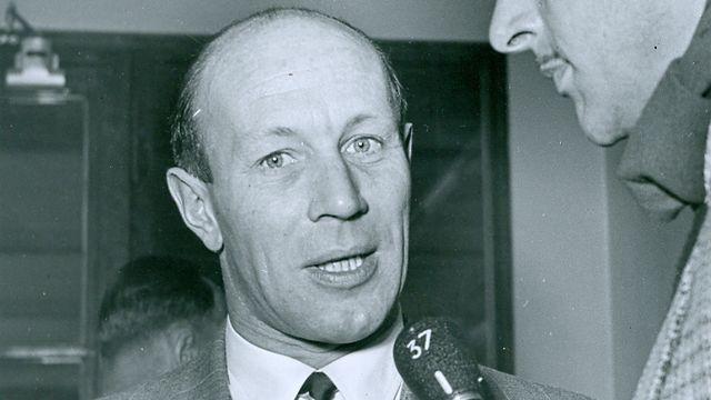 Raymond Lambert en 1951, avec Henri Meyer de Stadelhofen, peu avant son départ pour l'Himalaya [Freddy Bertrand - Radio Genève]