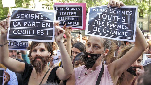 """La """"Marche des salopes"""" organisée le 22 mai 2011 à Paris. [Reuters]"""