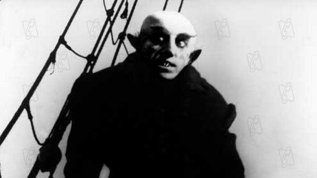 Max Schreck incarne Nosferatu, alias le conte Orlock, dans le film de Friedrich Murnau. [© Collection AlloCiné / www.collectionchristophel.fr ]