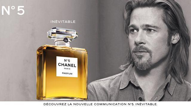 Brad Pitt est la nouvelle égérie du célèbre parfum de Chanel. [chanel.coom]