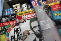 "Dès 2013, on ne trouvera plus le magazine ""Newsweek"" en kiosque. [John Moore - Getty Images / AFP]"