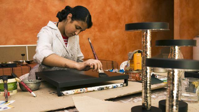 La lutte contre la pauvreté passe par la formation, en combinant l'éducation de base et la formation professionnelle. [Giuglio Gil - hemis.fr/AFP]