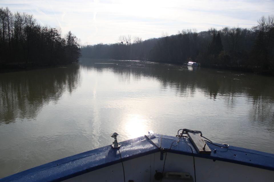 Au fil de l'eau, la Marne. [RTS]