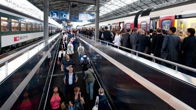 Des capteurs enregistrent les déplacements des usagers en gare de Lausanne. [Dominic Favre - Keystone]