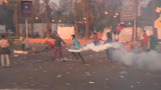 Heurts violents au Caire sur la place Tahrir