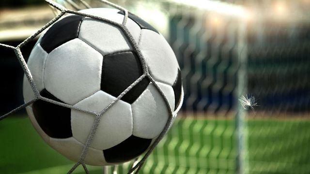Suivez du football en direct. [Vitaly Krivosheev - Fotolia]