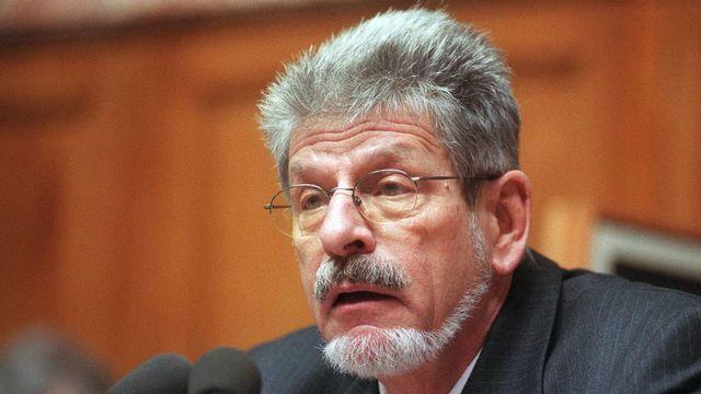 François Couchepin, alors qu'il était chancelier de la Confédération (ici, en 1999). [Edi Engeler - Keystone]