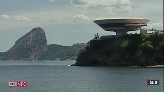 Oscar niemeyer le p re de brasilia est d c d 104 for Architecte bresilien