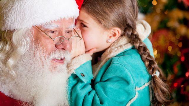 Les enfants commencent à douter de l'existence du père Noël aux alentours de 5-6ans. [Andres Rodriguez - Fotolia]