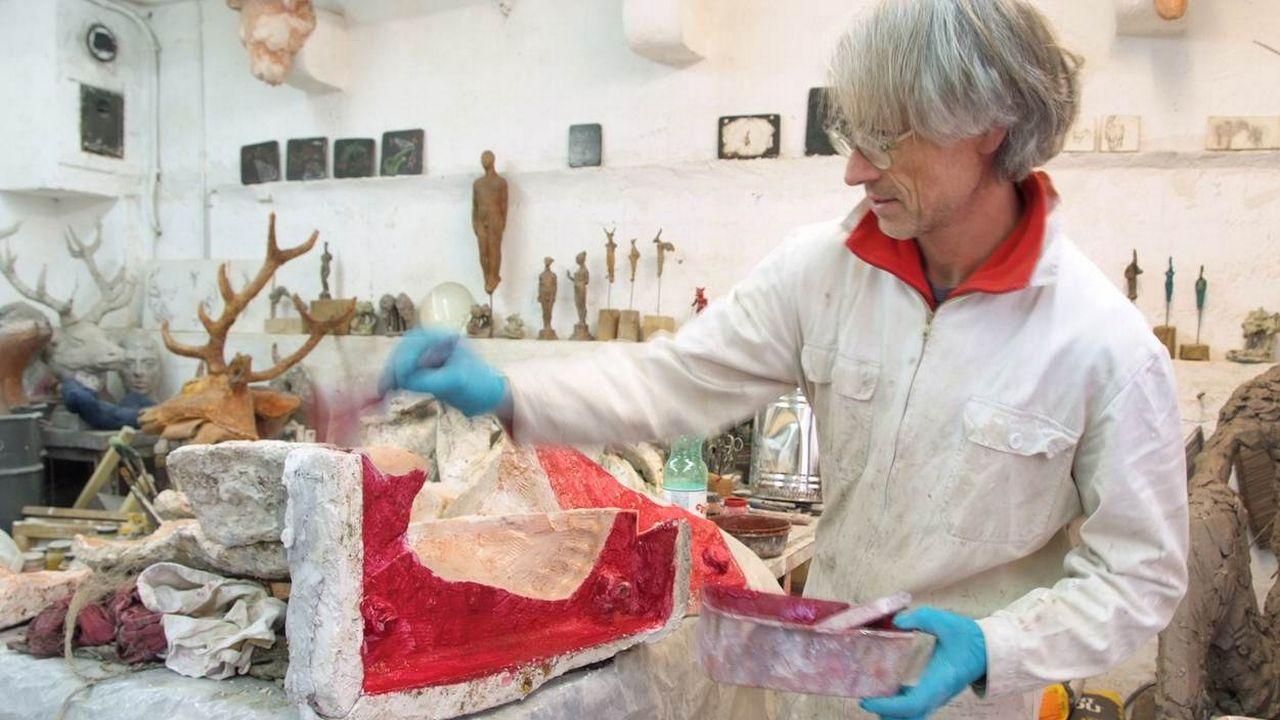 L'artiste Nikola Zaric dans son atelier. [Julie Langenegger Lachance et Zaric ]