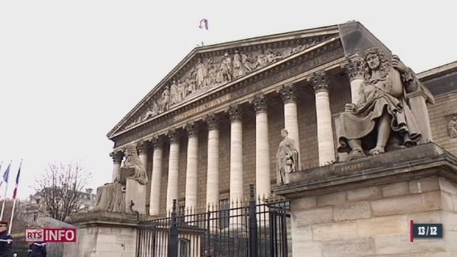 France: le débat sur le mariage et l'adoption par les couples homosexuels est très vif