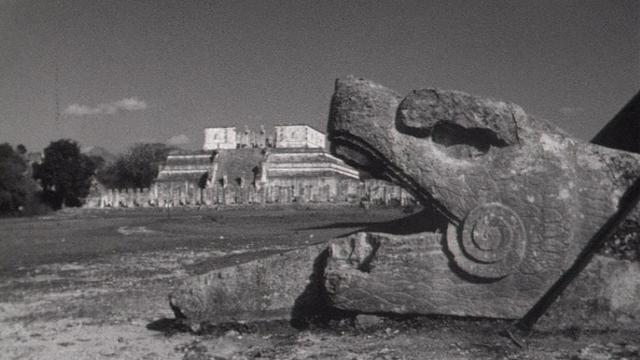 Sculpture maya. [RTS]
