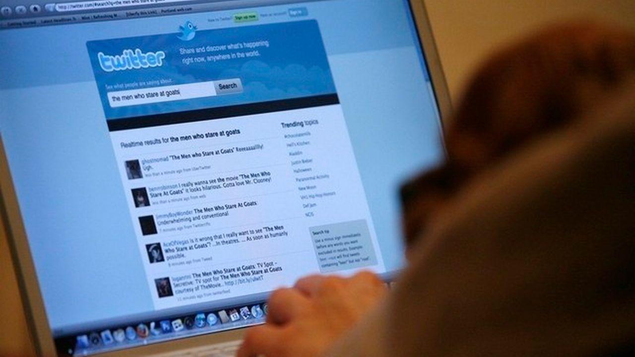 Des hashtags à caractère homophobe ou raciste ont été publiés sur Twitter. [Mario Anzuoni / Reuters]