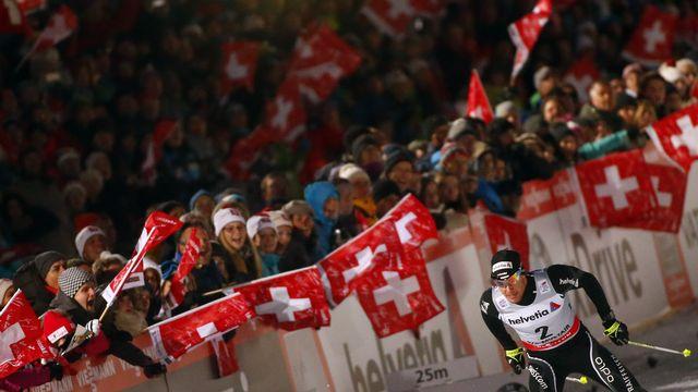 Dario Cologna a pu compter sur le soutien inconditionnel des supporters suisses.  [Dominic Ebenbichler - Reuters]