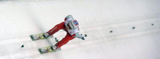 Qualifié pour la seconde manche, Ammann a fait mieux qu'à Garmisch. [Matthias Schrader - Keystone]