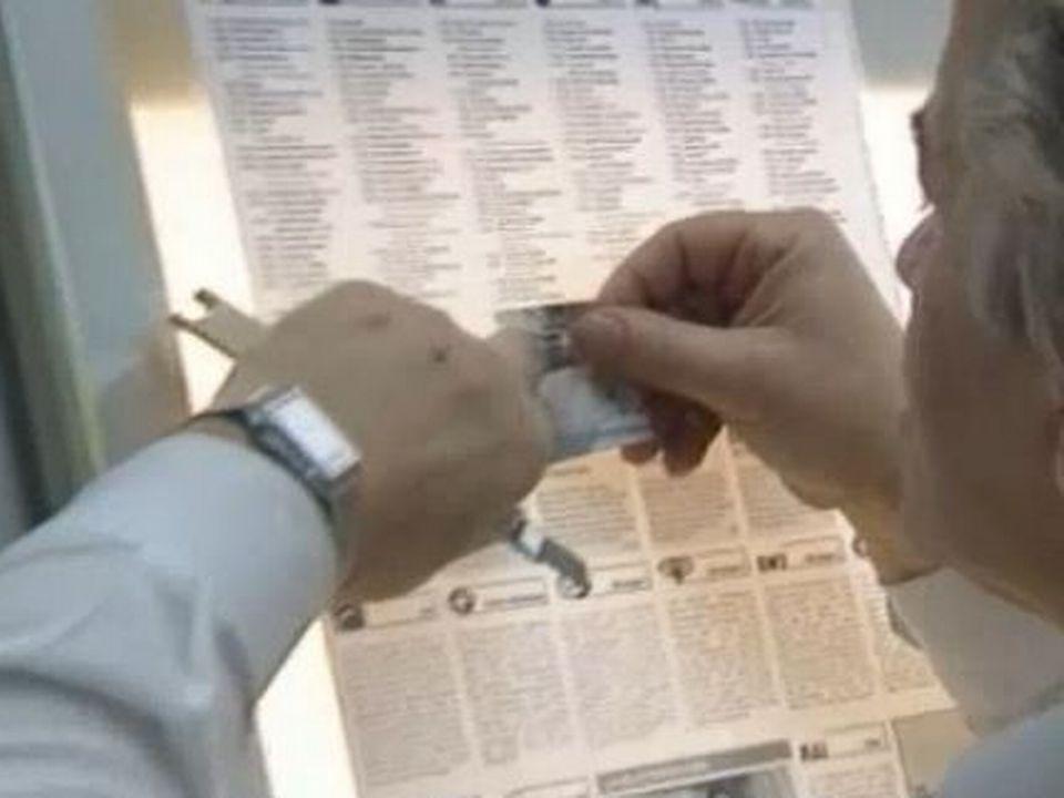 Préparation d'un numéro au journal Le Démocrate. [RTS]