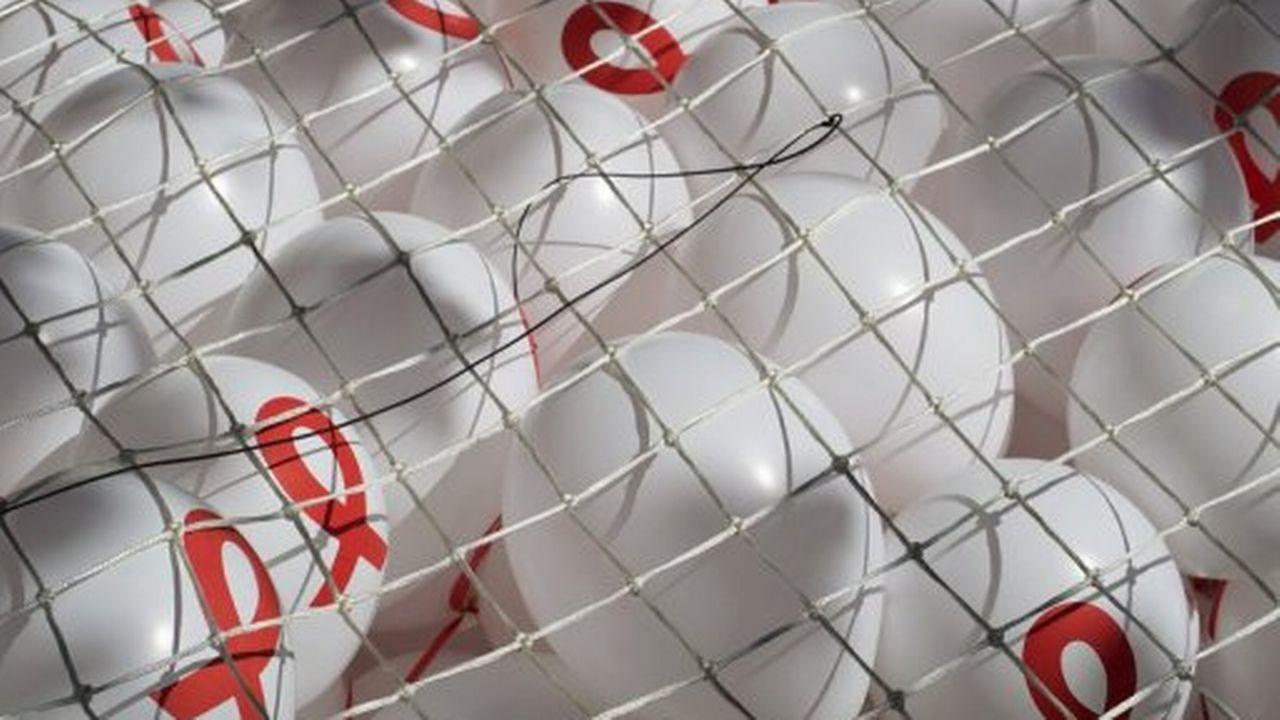 Des ballons portant le sigle de Solidarité Sida [AFP]