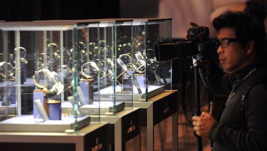 Salon international de la haute horlogerie visite - Salon de l horlogerie ...