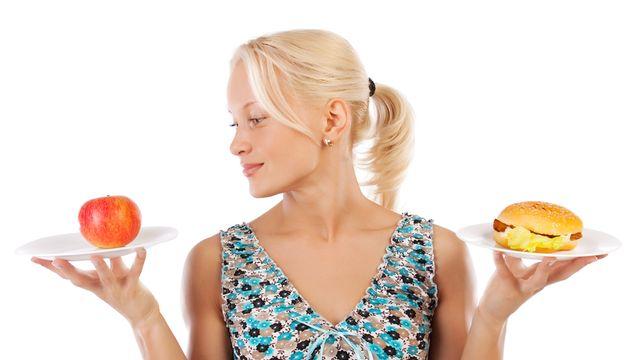 Les jeunes ne font pas toujours les choix les plus sains en matière d'alimentation. Vladimirs Poplavskis Fotolia [Vladimirs Poplavskis - Fotolia]