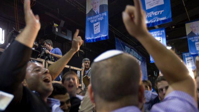 Des partisans du Premier ministre israélien sortant, Benjamin Netanyahu. [Jim Hollander - Keystone]