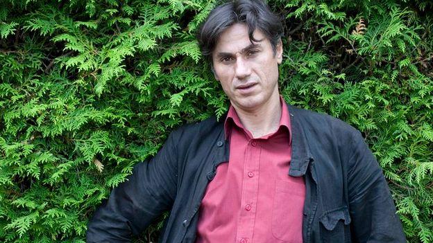 Marius Daniel Popescu, le poète des bus