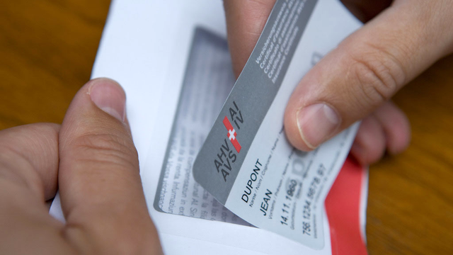 Les rendements 2012 permettent de mettre de l'argent en plus dans les caisses de l'AVS. [Gaëtan Bally - Keystone]