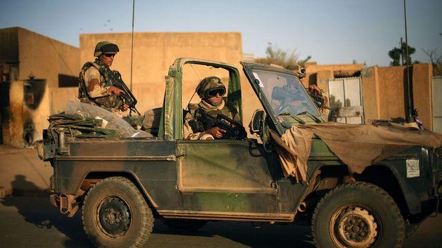 Les soldats français ont évacués des journalistes présents à Gao. [AP Photo/Jerome Delay - Keystone]