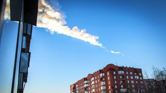 La pluie de météorites vue depuis la ville de Chelyabinsk, dans l'Oural. [Oleg Kargopolov - AFP]