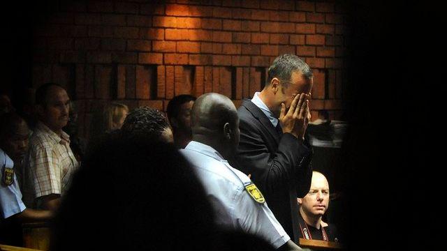 Oscar Pistorius en larmes. [Antoine de Ras / EPA / Keystone]