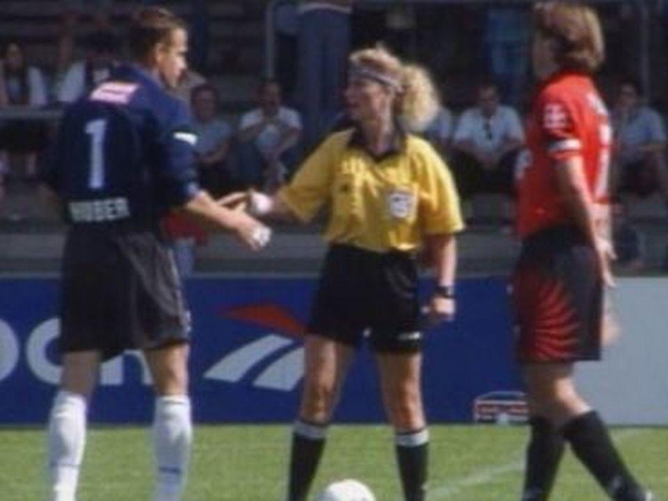 Nicole Petignat, une femme arbitre en 1999. [RTS]
