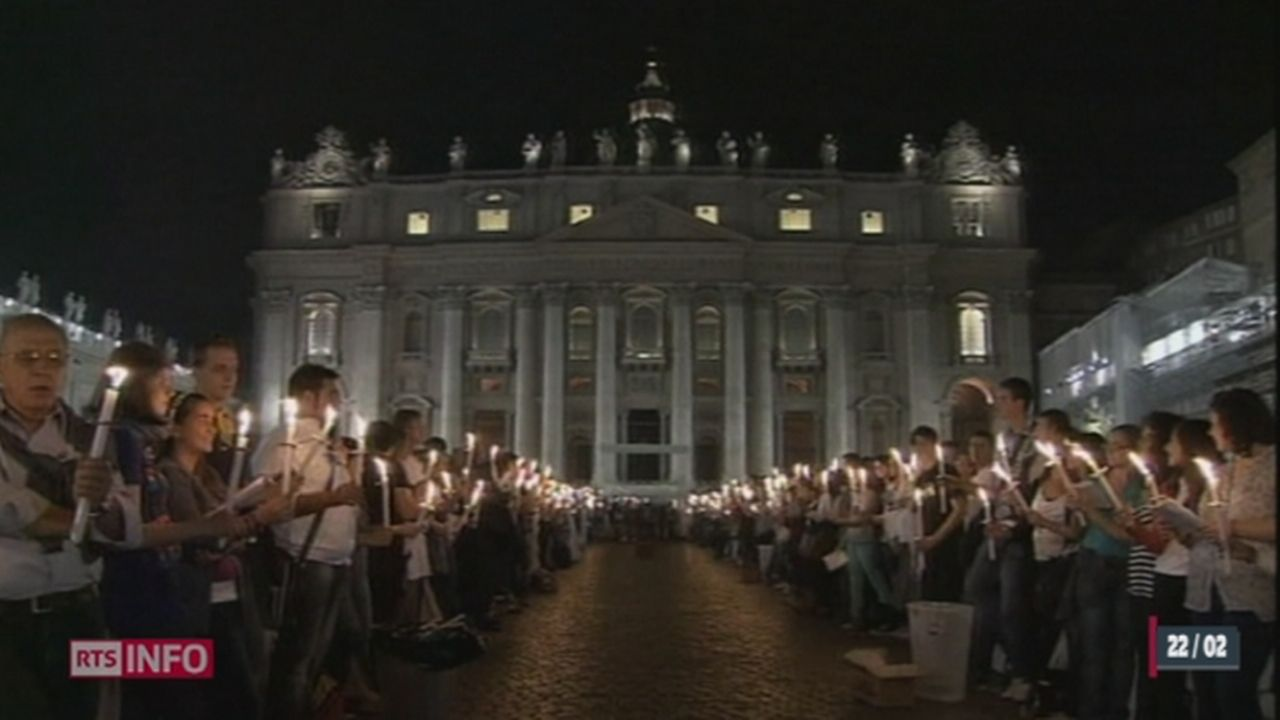 Italie: les raisons de la démission du pape font sensation