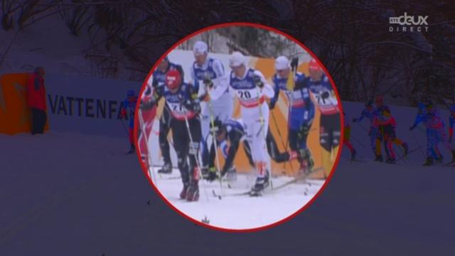 Skiathlon hommes: Dario Cologna chute