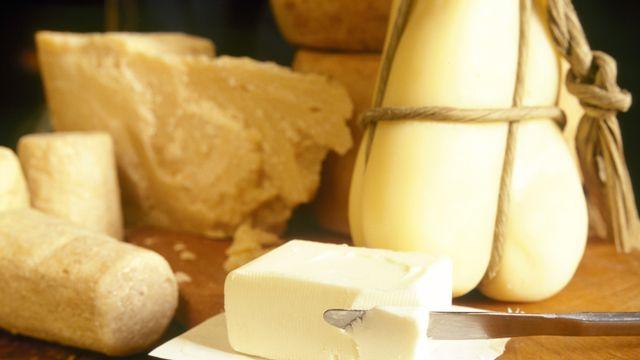 Les graisses saturées, contenues par exemple dans le beurre, participent à la formation de cholestérol. [Mirko Iannace  - AFP]