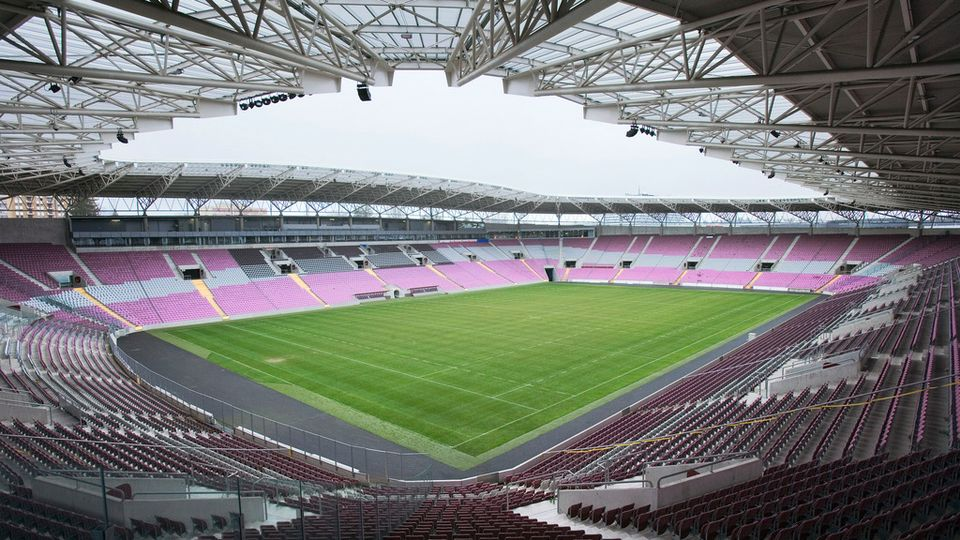 le stade de gen ve n 39 accueillera pas evian thonon gaillard football. Black Bedroom Furniture Sets. Home Design Ideas