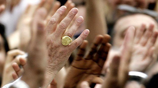 L'anneau du pêcheur du pape Benoît XVI [PAOLO COCCO - AFP]