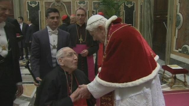 Le pape Benoît XVI dit au revoir à ses cardinaux
