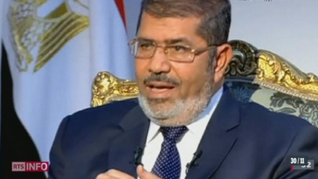 Egypte: la commission constituante, dominée par les islamistes, a adopté un projet de Constitution